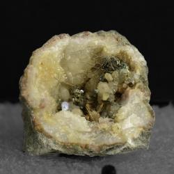 Millerite, 2.3 x 2 x 1.2 cm.