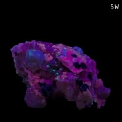 Albite, Leucophanite