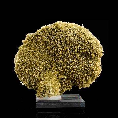 Diopside, 14.3 x 12 x 4.4 cm.