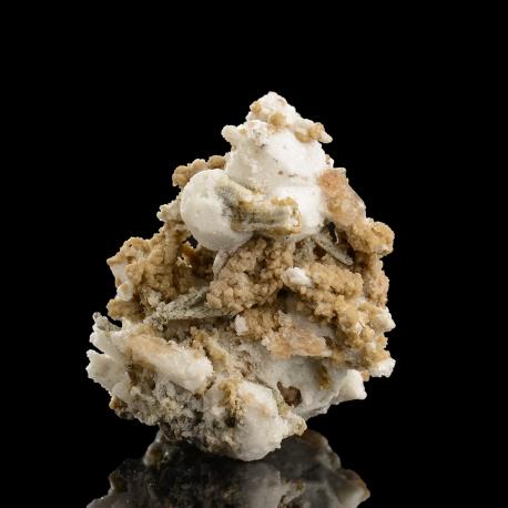 Peatite-(Y),  7 x 6 x 5.5 cm.