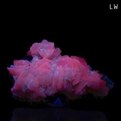 Calcite,  10 x 6.8 x 3.5 cm.