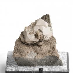 Calcite, 2.7 x 2.6 x 2.5 cm.
