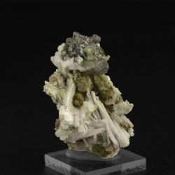Sphalerite, 5.7 x 4 x 2.5 cm.