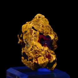 Zircon,  4 x 3.5 x 3.5 cm.
