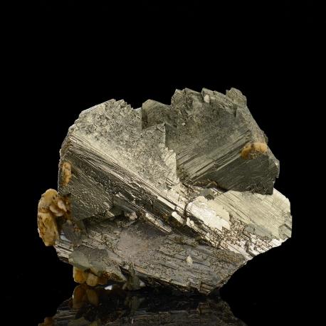 Arsenopyrite,  4.8 x 4.3 x 2 cm.