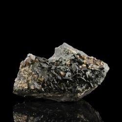 Kulanite, 3.7 x 3.2 x 2.4 cm.