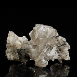 Cerussite,  4.2 x 3 x 2.5 cm.