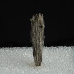 Elpidite, 4 x 0.9 x 0.9 cm.