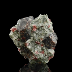 Eudyalite, 3.5 x 3 x 2.1 cm.