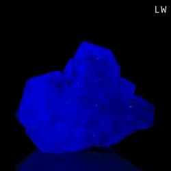Fluorite,  6.3 x 3.3 x 3 cm.