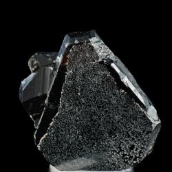 Hematite, 4 x 3.7 x 2 cm.