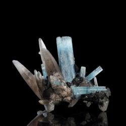 Beryl (Aquamarine variety), 11.3 x 7.6 x 6 cm.