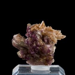Diopside, Vesuvianite, 3 x 2.5 x 2 cm.