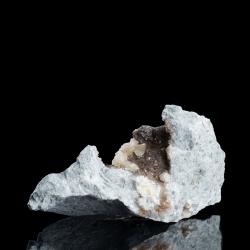 Weloganite, 9 x 4.5 x 4  cm.