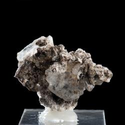 Catapleiite,  6 x 4.5 x 2.7 cm.