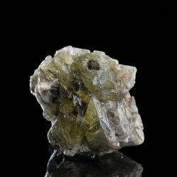 Sphalerite, 4 x 3.8 x 3.7  cm.