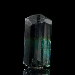 Elbaite,  4.2 x 2.2 x 1.8 cm.