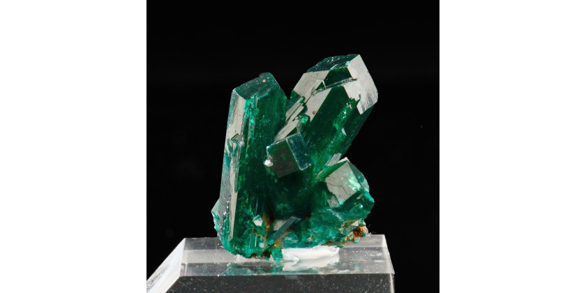 Dioptase: an emerald-green to blue-green gemmy mineral species